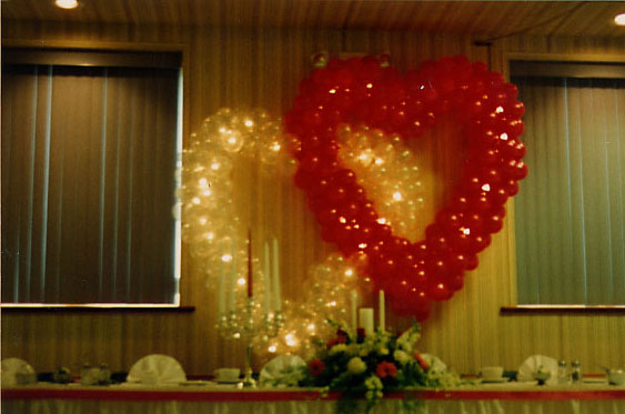 Lighted hearts for your head table